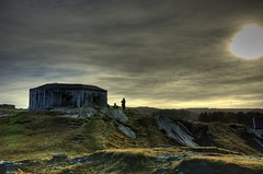 German bunker (Per Erik Sviland) Tags: norway nikon d70 ww2 erik per hdr germanbunker pererik photomatix 10faves 3exp lberg golddragon aplusphoto favemegroup3 proudshopper dragongoldaward linkhangsining hdr~lucisart~ortongroup sviland sqbbe pereriksviland