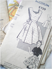 04.01.08 {nifty thrift | 1940s pinafore apron}