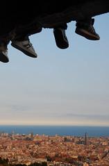 A tus pies (SlapBcn) Tags: barcelona feet face wonderful shoes pies slap torreagbar bdf zapatillas sabates 18200vr nikond80 diamondclassphotographer flickrdiamond slapbcn