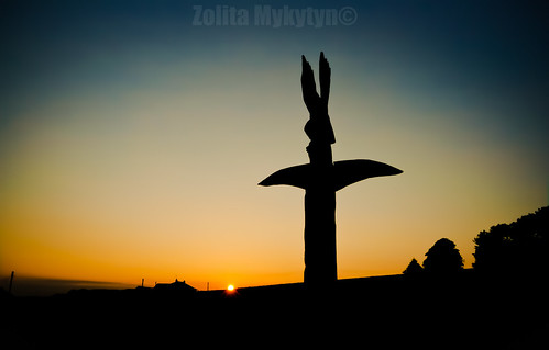 Totem Sunset by xxx zos xxx