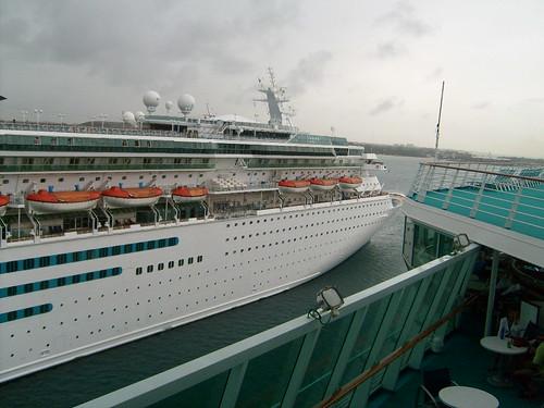 vacation cruise ship bahamas