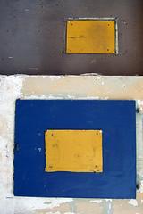 (LichtEinfall) Tags: yellow composition köln gelb niehl erpe komp transformatorenwand dscf2989t1 raperre urbancubism