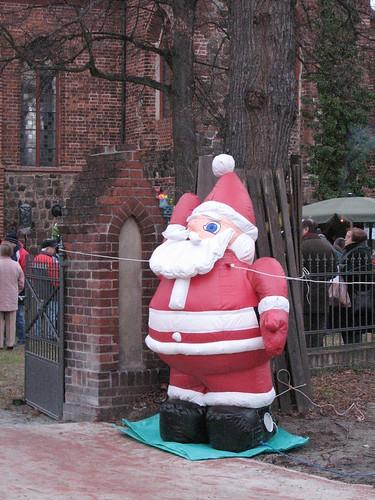 Weihnachtsmann angekettet