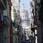 La Habana: La Habana Vieja al fondo el Capitolio