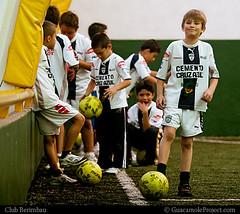 Club Berimbau . Ftbol (WakamouL) Tags: boys sport ball children football soccer practica nios deporte practice futbol pelota balon ltytr1 guacamoleprojectcom gpcomdeportes gpcomenero clubberimbau gpcomberimbau