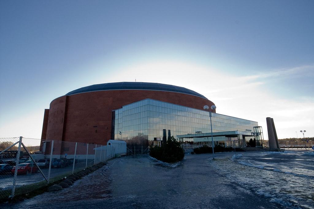 Turkuhalli (vaihteeksi ulkopuolelta)