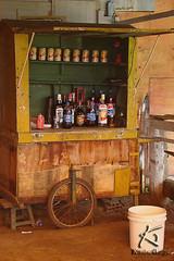 BUTECO MVEL (Klauber Gurgel) Tags: brasil bodega carrinho economia venda bebida riograndedonorte mercearia improviso ambulante comrcio sonyh9