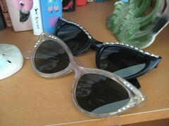 vintage sunglasses (sparkleneely) Tags: vintage stuffaroundthehouse estaesale
