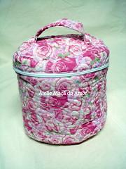Frasqueira (Ateliê Maçã do Amor - By Carol Lidman) Tags: patchwork maçã tecido lembrancinha jogoamericano centrodemesa frasqueira