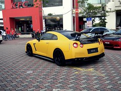 matte yellow nissan gtr (Shobin Drogan) Tags: cars yellow skyline japanese nissan wing gathering gt import supercar automobiles matte jdm gtr tuners tuned r35