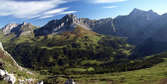 Puertos de Ageria desde Fontes (jtsoft) Tags: mountains landscape asturias olympus cordilleracantbrica e510 ubia quirs fontn ageria zd1442mm parquenaturalubiaslamesa jtsoftorg