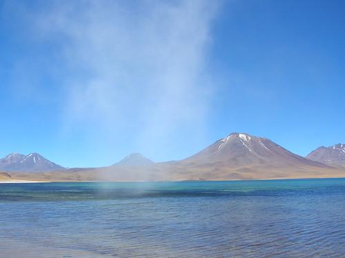 Fumarola sobre la laguna a 4000m