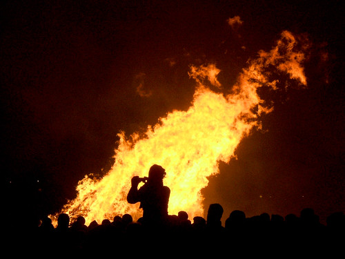 Lewes Bonfire Night 2007 - Bonfire Onlooker