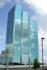 Phoenix Tower - Houston, Texas (dog.happy.art) Tags: blue clouds office shiny texas mirrors houston officebuilding neverbeenthere
