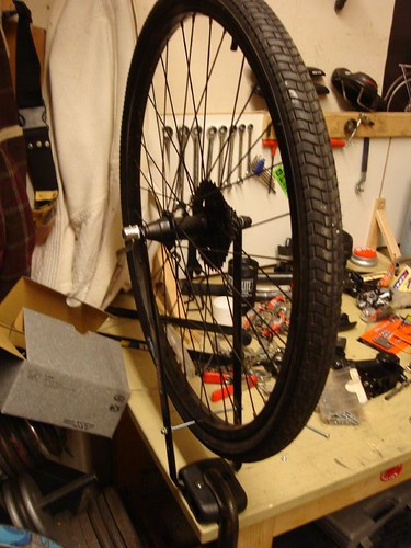 how to make a truing stand