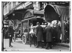 Gates Funeral N.Y., 8/23/11  (LOC) (The Library of Congress) Tags: park street plaza new york city newyorkcity people ny newyork jw hotel gates manhattan south central 5thavenue funeral theplaza plazahotel libraryofcongress avenue centralparksouth 5th hearse 1911 59th 59thstreet xmlns:dc=httppurl