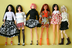 *rare dolls* all up for adoption! (r e n a t a) Tags: yellow canon doll plastic explore amarelo boneca plstico momoko 03rd 03awyl 03ssor seenonexplore rebelxti mamatoldme 04nf 04anpk