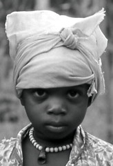 Kpelle girl, Kpaiyea, Liberia (West Africa) 1968 (gbaku) Tags: africa girls west girl children child african femme westafrica afrika 1960s anthropologie liberia fille anthropology filles femmes africain afrique ethnography ethnology africaine westafrican ethnologie classicblackwhite kpelle afrikas kpaiyea