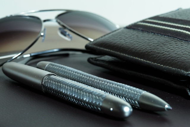 sunglasses glasses kuwait pens rayban dunhill porschedesign