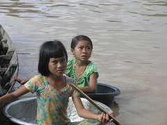 Panhandlers at Tonle Sap Lake