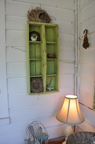 green tote shelves