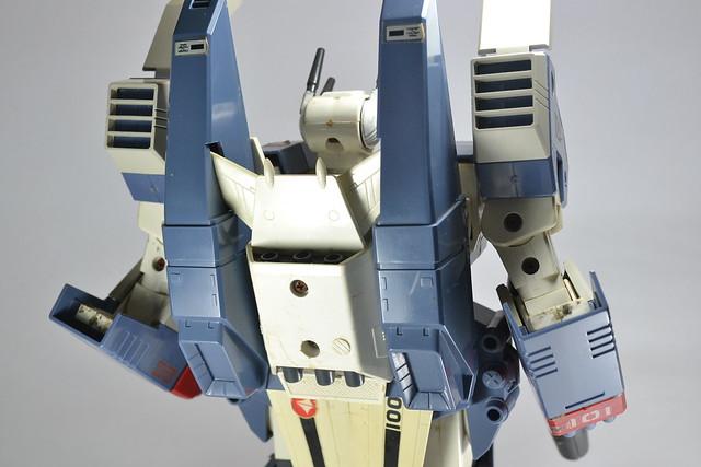 1/55 Takatoku/Bandai VF-1SValkyrie w/ GBP-1S