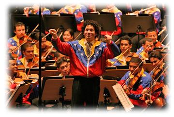 Gustavo Dudamel dirige a la Orquesta Juvenil Simon Bolivar de Venezuela