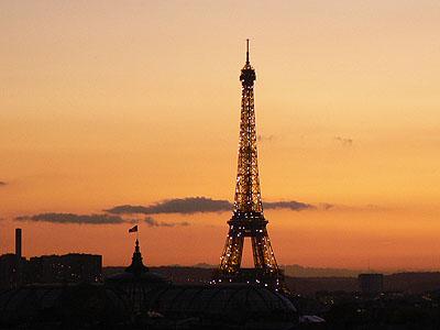 Tour Eiffel éclairée.jpg