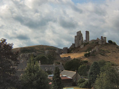 Corfe Castle (torimages) Tags: castle ss dorset allrightsreserved corfecastle swanagerailway donotusewithoutwrittenconsent copyrighttorimages