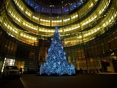 Christmas at Bloomberg Tower (ggnyc) Tags: christmas nyc newyorkcity manhattan courtyard christmastree midtown bloombergbuilding