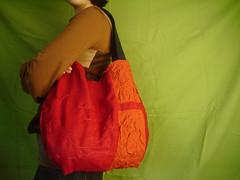 Carmes (vanezia) Tags: crimson bag hilo bolsa dibujo handbag functionalart carmes artefuncional vanessaramos