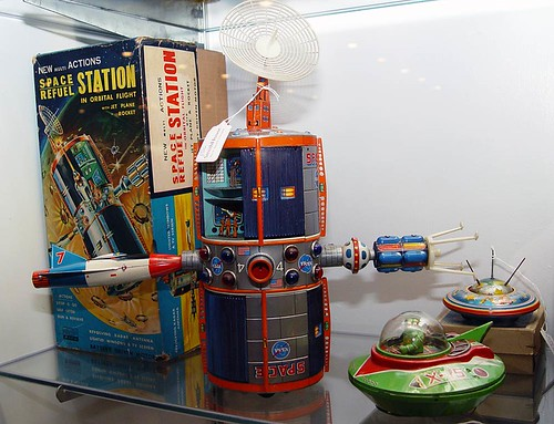BOTSTOCK 5 robot and space toy convention