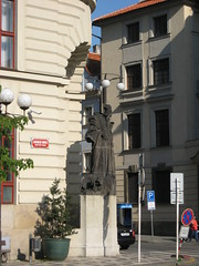 "Praga - ? • <a style=""font-size:0.8em;"" href=""http://www.flickr.com/photos/62319355@N00/2484283364/"" target=""_blank"">View on Flickr</a>"