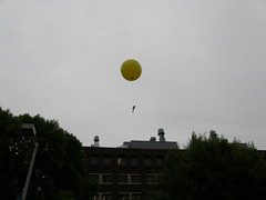 080516 balloons (Dan4th) Tags: cambridge weather yellow ma technology mit massachusetts balloon science institute electronics mysterious projects machines mad gadgets scientists 02139 massachusettsinstituteoftechnology