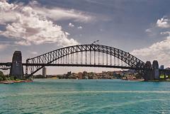 """La Percha"",Sidney Harbour (chasquito el roncoso) Tags: summer stream bridges australia more views puentes willy 15000 5photosaday antipodas lapercha llus"
