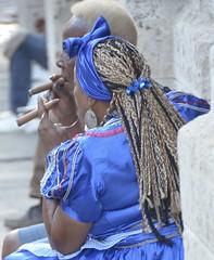 Two cigar smoking women in blue, Havana. (heraldeixample) Tags: heraldeixample cuba habana havana gent people gente pueblo popular cigar cigarro puro habano havà dona woman mujer frau femme fenyw bean donna mulher femeie 女人 kadın женщина หญิง boireannach kobieta habanavieja fumadoradepuros cigarwomensmoker cigarwomensmoking albertdelahoz