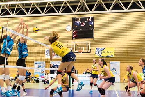 "3. Heimspiel vs. Volleyball-Team Hamburg • <a style=""font-size:0.8em;"" href=""http://www.flickr.com/photos/88608964@N07/32817477785/"" target=""_blank"">View on Flickr</a>"