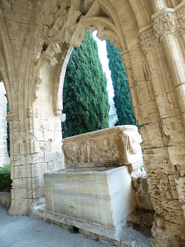 Bellapais Abbey, cloister - sarcophagus, water fountain