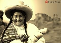 Mujer Hilandera (PedroRivas) Tags: blancoynegro sepia canon mujer folklore per bn hilo cultura cajamarca autoctono campesina tejedora algodn serrana mujerindia mujerserrana pedrorivas mujercampesina mujerhilandera
