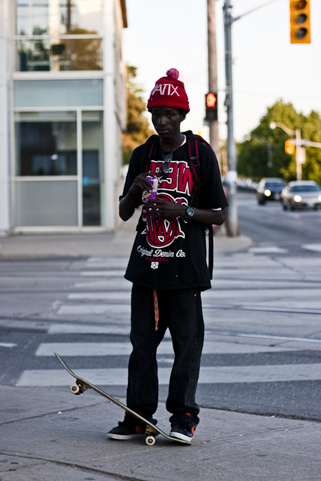 Skateboard, Street Fashion @ Queen St. E., Toronto