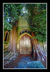 The most amazing door! (Giorgos~) Tags: uk cotswolds moulinrouge oxfordshire giorgos blueribbon themoulinrouge supershot imagepoetry i500 mywinners supershots platinumphoto anawesomeshot aplusphoto blueribbonphotography goldenphotographer diamondclassphotographer flickrdiamond bratanesque theperfectphotographer thegardenofzen gardenofzen theroadtoheaven thegoldendreams