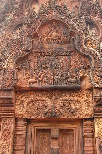 Banteay Srei的浮雕  火燒迦陀婆森林