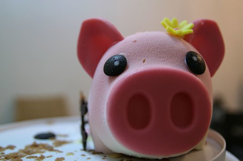 970203粉紅豬人像鏡 359