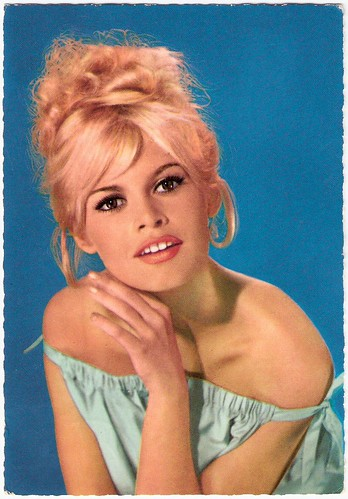 Brigitte Bardot German postcard by ISV nr H 41 Racial Hatred