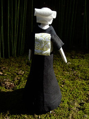 Sakura back (beruta) Tags: green stuffed handmade linen sakura springsun clothdoll bambuforest japaneselady blackkimono