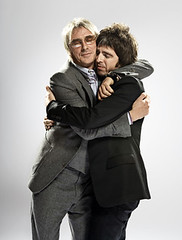 Paul Weller and Noel Gallagher (Carolina Maiorano Marton) Tags: paulweller noelgallagher happyhug srensolkr