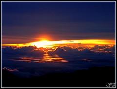 HOUSE OF THE SUN .... Sunrise at Haleakalā - Hawaii (B_Nv) Tags: hawaii haleakala canona95 feelingsemotions