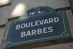 Boulevard Barbes (Elisabeth de Ru) Tags: paris france geotagged europa europe frana frankrijk francia parijs parigi paris18e parys  parisi   pariz  sonydslra100  celisabeth85flickr  parisjune2008 boulevardbarbes celisabeth|ejk pariswithesmee elisabethderu