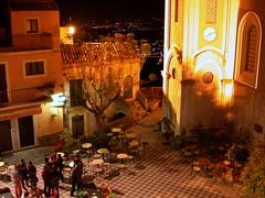 Taormina (lo.tangelini) Tags: noche europa italia taormina catania sicilia plazuela plazoleta