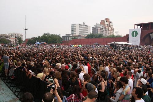 The Crowd at McCarren Pool